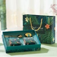 Подарочный набор с клубничным и жасминовым чаем, и медом